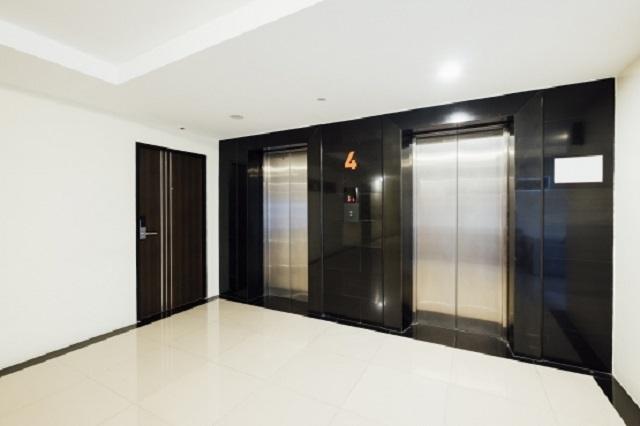 Roxana Plaza trang bị đầy đủ thang máy cho từng phân khu